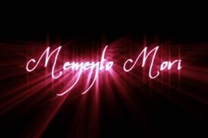 Memento-Mori_stafir